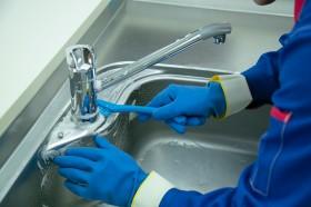 シンク・蛇口・排水口のゴミ受けなどをお掃除